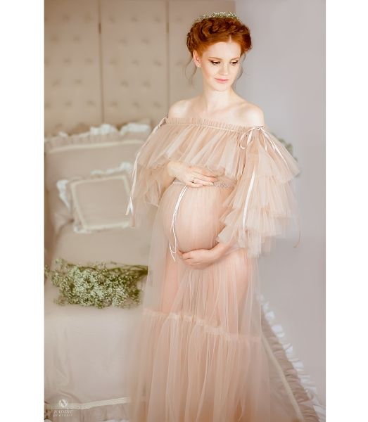 Leila Maternity gown for Photoshooting
