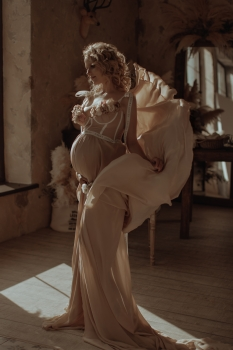 BELLA Maternity gown for Photoshoot