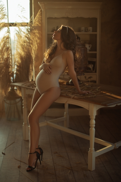 Maternity BODYSUIT for photoshoot in nude